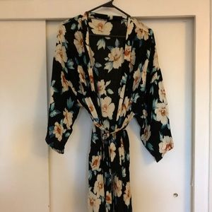 Pinkblush delivery robe in excellent condition.